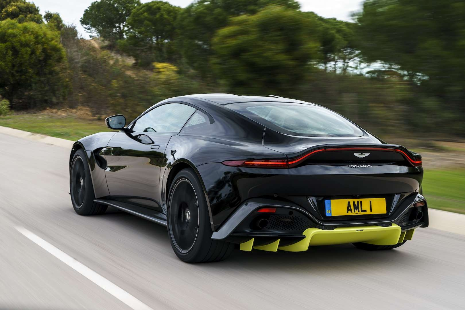 Aston Martin Vantage Wallpapers
