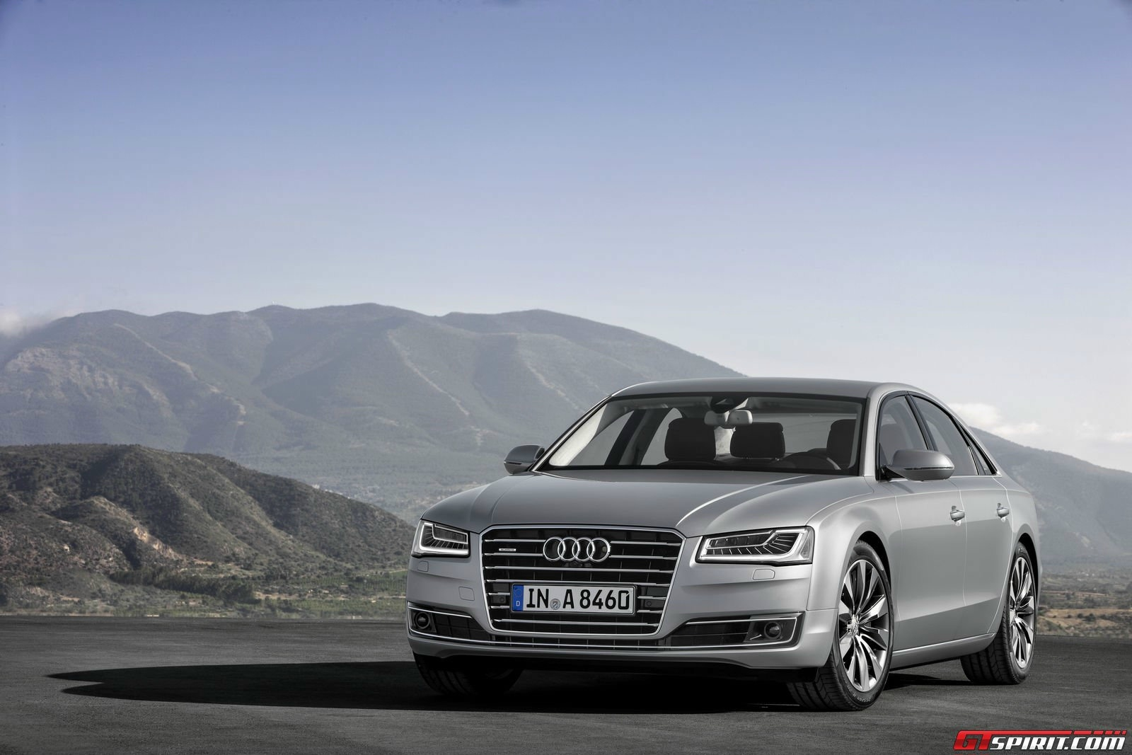 Audi A8 TFSI E Wallpapers