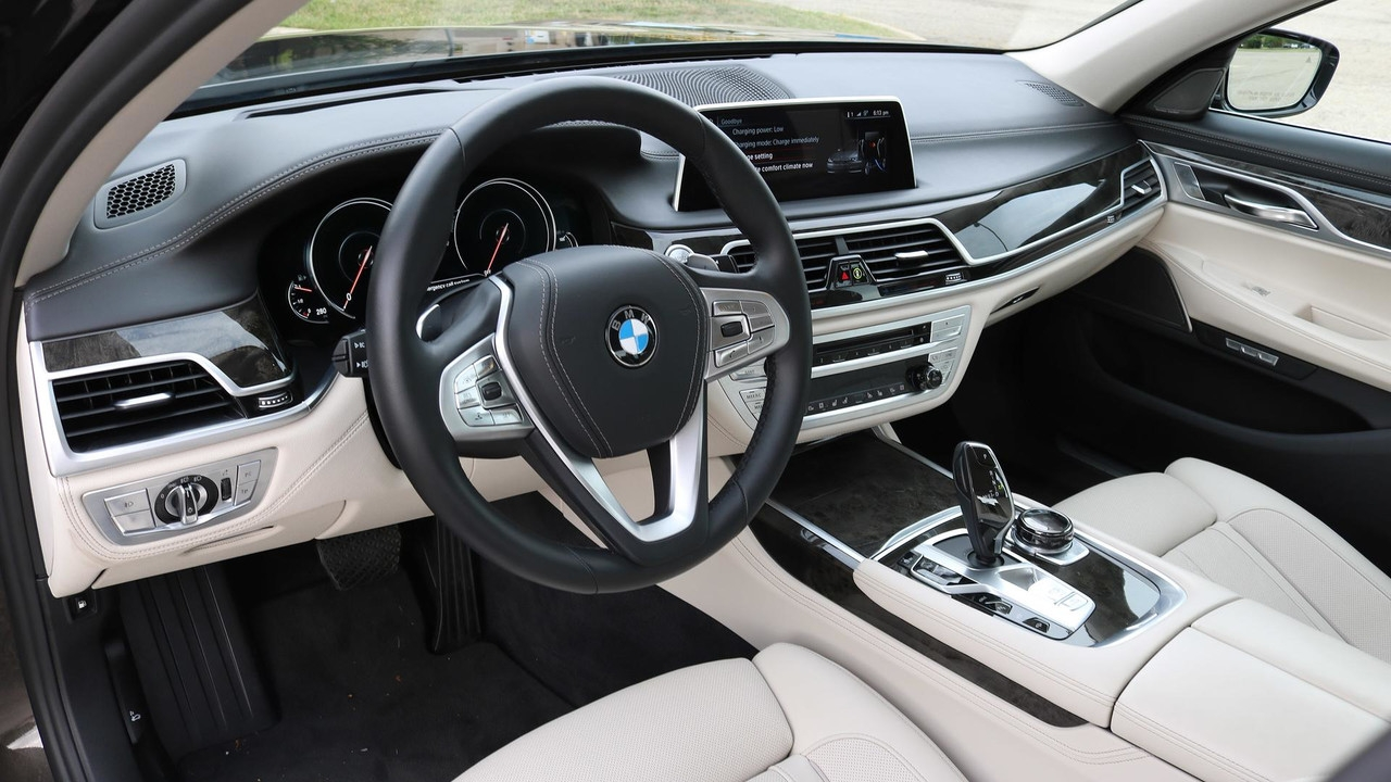 BMW 7 Series 2019 Wallpapers