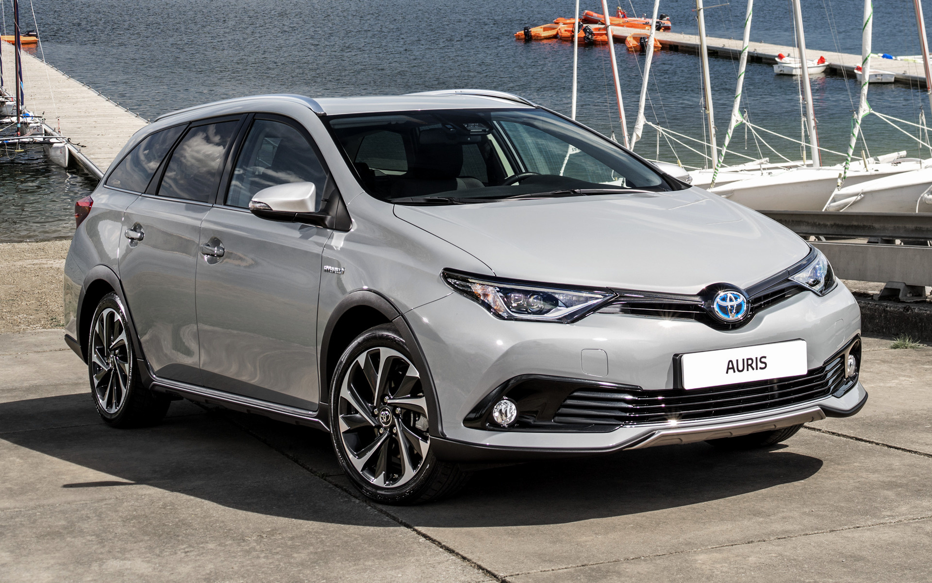 Toyota Auris Wallpapers