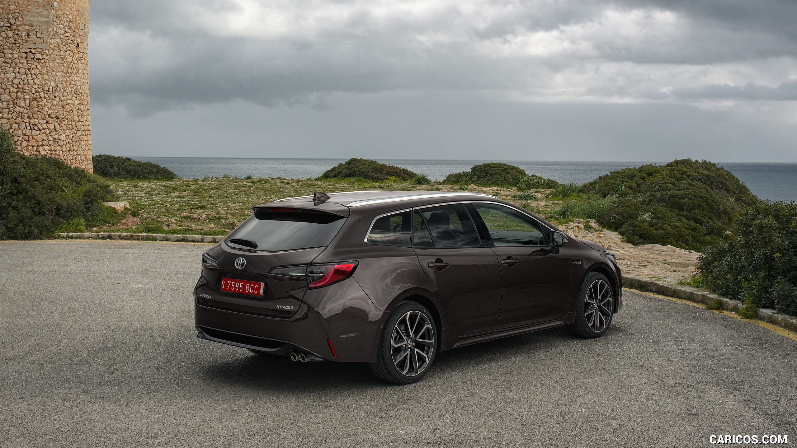 Toyota Corolla Touring Sports Wallpapers