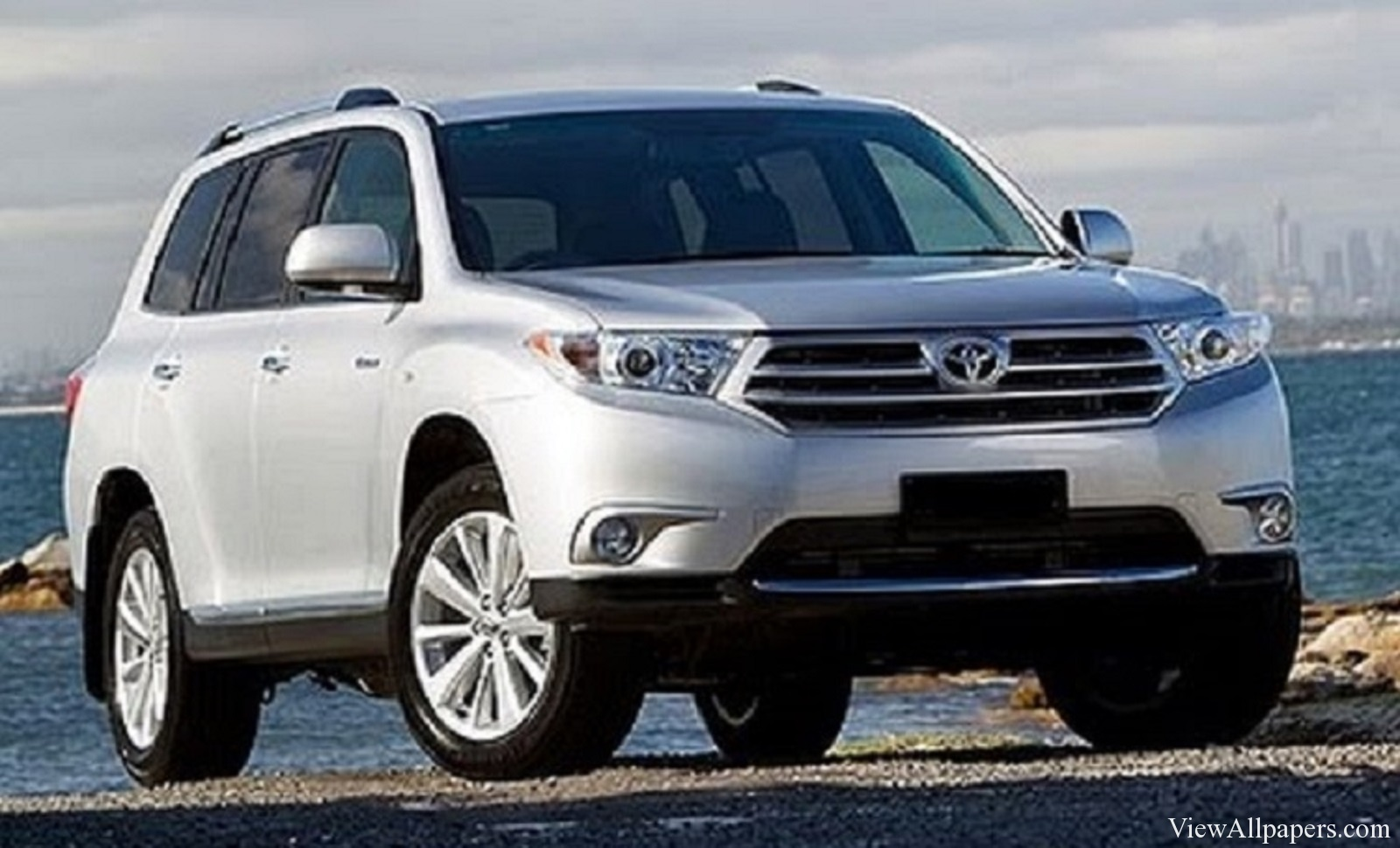 Toyota Fortuner Wallpapers